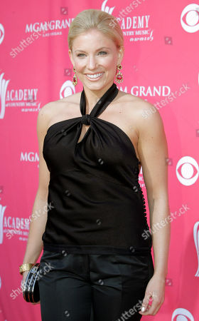 Julie Roberts Julie Roberts arrives at the 41st Academy of Country Music Awards, in Las Vegas. Roberts is nominated for top new female vocalist