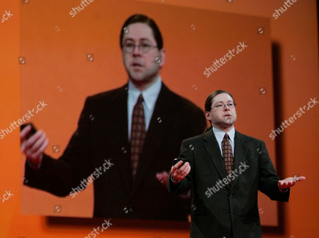 SCHWARTZ Sun Microsystems CEO Jonathan Schwartz gives a keynote address at Oracle Open World conference in San Francisco