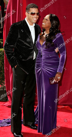 JONES REYNOLDS Television host Star Jones, with ther husband Al Reynolds, arrives for the 57th Annual Primetime Emmy Awards, in Los Angeles