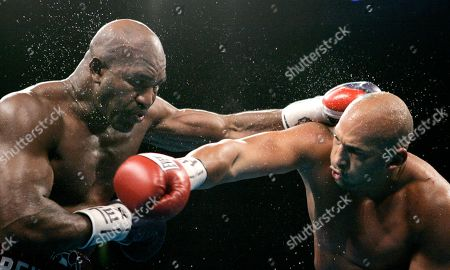 Evander Holyfield, Fres Oquendo Evander Holyfield, left, fights Fres Oquendo during round 8 of their heavyweight fight in San Antonio, . Holyfield won the fight by decision