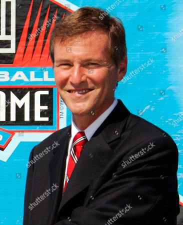 "Leigh Steinberg Sports agent Leigh Steinberg poses during a ceremony at the Pro Football Hall of Fame in Canton, Ohio. It's been three years since Steinberg had his last drink of vodka, the personal demon that sent his personal and professional lives crashing out of control. After a stunning fall that included filing for bankruptcy, the super agent who was the inspiration for Tom Cruise's character in ""Jerry Maguire"" plans to relaunch his sports and entertainment agency this year"