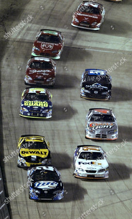WALLACE KENSETH LABONTE Rusty Wallace (2) leads Matt Kenseth (17) and Terry LaBonte (11) along with a host of others down the front straight during the NASCAR Sharpie 500 at Bristol Motor Speedway, in Bristol, Tenn