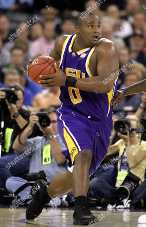 Glen Davis LSU's Glen Davis looks to pass during of a Final Four semifinal basketball game against UCLA in Indianapolis