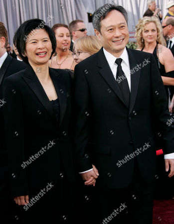 """Ang Lee, Jane Lin Taiwanese director Ang Lee, right, an Oscar nominee for best director for his work on """"Brokeback Mountain,"""" arrives with his wife, Jane Lin, for the 78th Academy Awards, in Los Angeles"""