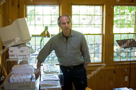 Philip Roth FILE**Novelist Philip Roth, 72, powers up his computer in his home office where he doesmuch of his writing, in Warren Conn