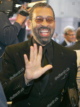 """HINES Maurice Hines poses for a photo as he arrives for the opening night of """"On Golden Pond""""in New York. Hines' """"Maurice Hines: Tappin' Thru Life,"""" a song and dance revue backed by the Diva Jazz Orchestra, will play New World Stages in New York starting Dec. 23, 2015"""