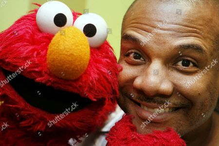 Elmo, Kevin Clash Kevin Clash, who was the voice and movements behind Sesame Street's Elmo, posing for a picture with Elmo in New York. Three lawsuits brought by men who said Clash sexually abused them when they were underage were tossed out by a federal judge who said in a decision published, that the men waited too long to sue