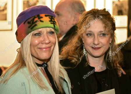 """Soap star Ilene Kristen, left, and Carol Kane pose for photographers before watching the opening of the play """"Belfast Blues"""", in New York"""