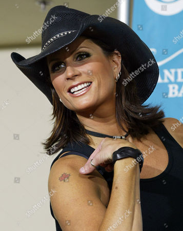 CLARK Canadian singer Terri Clark poses back stage at the 39th annual Academy of Country Music Awards at the Mandalay Bay Resort & Casino in Las Vegas, . Clark is nominated for top female vocalist