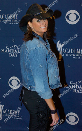 COUNTRY MUSIC AWARDS Terri Clark arrives at the 39th annual Academy of Country Music Awards at the Mandalay Bay Resort & Casino in Las Vegas on