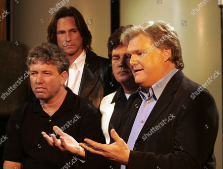 SCAGGS A group of country music stars, including from left to right, Billy Dean, Marty Raybon, Marty Curtis and Ricky Scaggs, are shown at a news conference, in Hendersonville, Tenn., where they have joined forces to launch ''Your Country Your Vote,'' a project organizers describe as a nonpartisan get-out-the-vote campaign involving artists on ''America Will Always Stand,'' a recent album of music inspired by the Civil War