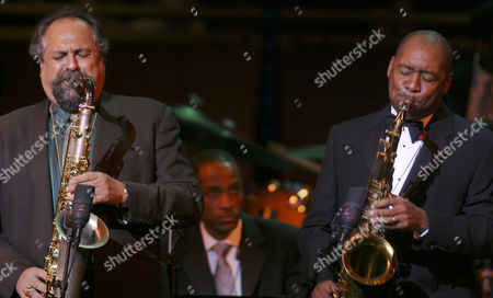 LINCOLN CENTER JAZZ Joe Lovano, left, and Branford Marsalis play tenor saxophone during Jazz at Lincoln Center's inaugural gala in New York