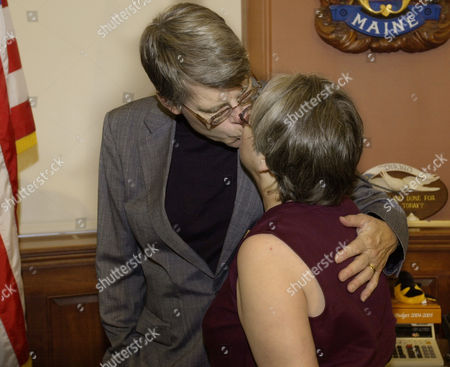 KINGS Author Stephen King of Bangor, Maine, kisses his wife, Tabitha King, after an announcement in the govenor's office at the State House in Augusta, Maine, . The Kings joined the governor and author Richard Russo, to announce a new writing contest for high school juniors where the three will be among the judges