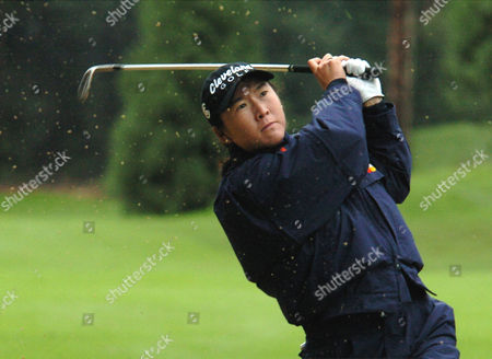 KUNG Candie Kung from Taiwan hits out of a bunker on the 18th during the second round of the LPGA Tour in Portland, Ore., Saturday Sept.18, 2004. Kung finished at 7 under tied for the lead with Lorie Kane