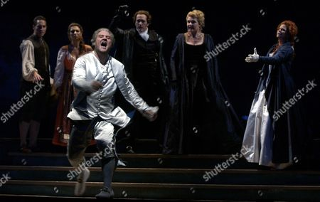 KETTELSEN Don Giovanni, played by Bryn Terfel sings at the end of act one during dress rehearsal of the Lyric Opera's presentation of Don Giovanni in Chicago. The show opens the Lyric's golden jubilee season. Accompanying Terfel on stage are, from left, Kyle Ketelsen as Masetto, Isabel Bayrakdarian as Zerlina, Kurt Streit as Don Ottavio, Karita Mattila as Donna Anna, and Susan Graham as Donna Elvira