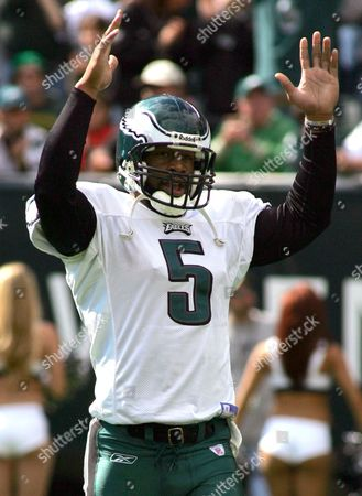 MCNABB Philadelphia Eagles quarterback Donovan McNabb celebrates after Eagles runningback Dorsey Levens scored a one-yard touchdown during the first quarter, in Philadelphia