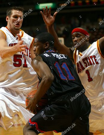 HOMAN STINSON PRICE Iowa State's Jared Homan (51) and Curtis Stinson (1) defend as Tennesse State's Bruce Price looks for an opening during the first half, in Ames, Iowa