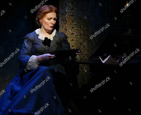 """Maureen McGovern, as Marmee in a scene from """"Little Women,"""", at the Virginia Theater in New York. \McGovern, who plays the mother of four spirited daughters in the Broadway production, will take the musical on the road when it begins its 30-city national tour this summer"""