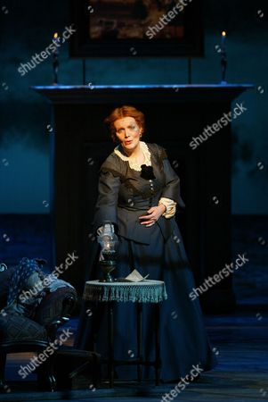 """Maureen McGovern, as Marmee in a scene from """"Little Women,"""", at the Virginia Theater in New York. McGovern, who plays the mother of four spirited daughters in the Broadway production, will take the musical on the road when it begins its 30-city national tour this summer"""