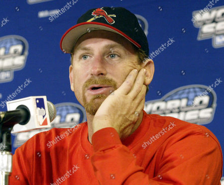 WILLIAMS St. Louis Cardinals pitcher Woody Williams answers questions at a pre-game news conference before Game 4 of the World Series against the Boston Red Sox, in St. Louis. Williams is scheduledd to ptich Game 5 if necessary