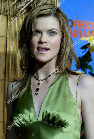 """PYLE Actress Missy Pyle poses for a photo as she arrives at the premiere of Columbia Pictures """"50 First Dates"""" at Mann Village, in Los Angeles"""