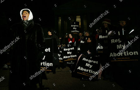 MOORE Broadway actress Melba Moore joins anti-abortion protestors during a rally in front of the Supreme Court, in Washington. The protest marks the 31st anniversary of the Supreme Court's Roe v Wade decision