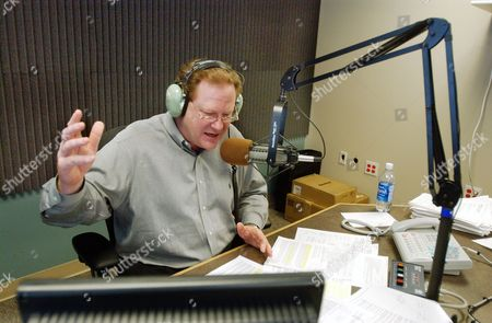 """HEARTLAND Radio talk show host Ed Schultz broadcasts from his studios in Fargo, N.D., . Schultz has been tapped by Democrats for a national show. """"The Ed Schultz Show"""" promises """"straight talk from the heartland"""" _ meaning, not from those out-of-touch-with-the-common-man liberals in Los Angeles or New York"""