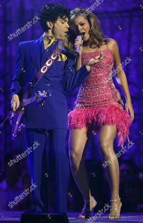 PRINCE BEYONCE Prince, left, and Beyonce perform during the 46th Annual Grammy Awards, in Los Angeles