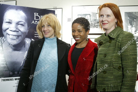"Actresses Edie Falco, left, and Cynthia Nixon, right, pose with director Lisa Gay Hamilton, center, whose documentary film, ""Beah: A Black Woman Speaks,"" premiered tonight in New York, . The film debuts on HBO Wednesday, Feb. 25 and is about the life and career of activist and actress Beah Richards"