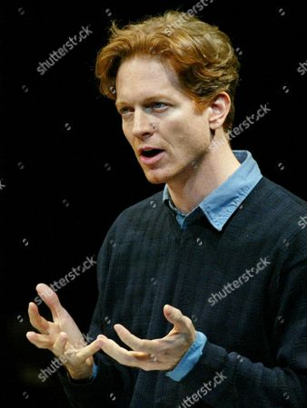 STOLTZ Actor Eric Stoltz pays tribute to actor and monologuist Spalding Gray,at a public memorial held at the Vivian Beaumont Theater in New York's Lincoln Center