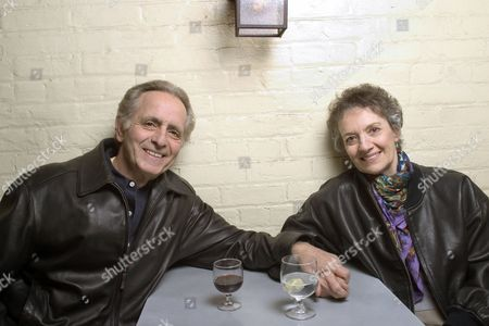 """Playwright Mark Medoff, left, and actress Phyllis Frelich sit together in New York. Frelich, a Tony Award-winning deaf actress who starred in the Broadway version of """"Children of a Lesser God,"""" has died. She was 70. Her husband, Robert Steinberg, said she died at their home in Temple City, Calif"""