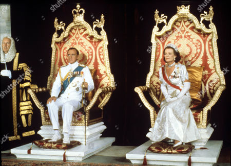 Nicol Williamson and Janet Suzman in 'Lord Mountbatten The Last Viceroy' - 1985