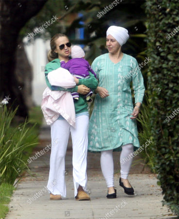 Jennifer Meyer (l) with three month-old daughter Ruby Sweetheart