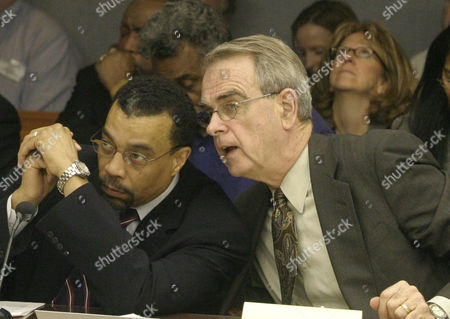 MARTIN HAYDEN Defense attorneys William Martin, left, and Joseph Hayden confer as State Superior Court Judge Edward M. Coleman reads his opinion concerning the defense motion to dismiss the Jayson Williams' manslaughter trial at the Somerset County Courthouse in Somerville, N.J., . Coleman denied the defense request for dismissal