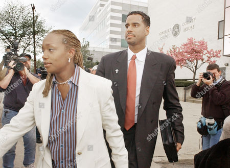 WILLIAMS Jayson Williams and his wife, Tanya, leave the Somerset County Courthouse in Somerville, N.J., following the first day of jury deliberations in his manslaughter trial, . Williams is on trial for the shotgun shooting and killing of driver Costas Christofi at Williams' estate in Alexandria Township, N.J., Feb. 14, 2002
