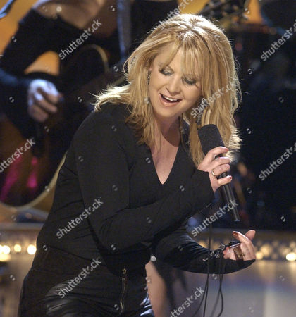 CMA LOVELESS Patty Loveless performs during the 37th annual Country Music Association Awards show in Nashville, Tenn. on