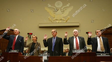 GORDON Members of the HealthSouth board of directors, from left to right, Joel Gordon, Sage Givens, Donald Watkins, Larry D. Striplin and Robert May, are sworn in before testifying at a House investigative subcommittee meeting, on Capitol Hill, in Washington