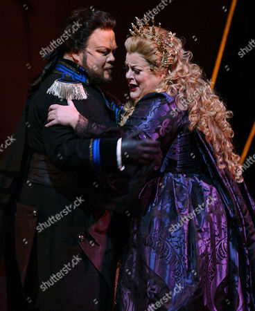 "MARGISON VOIGT Deborah Voigt as Ariadne and Richard Margison as Bacchus perform during a dress rehearsal of Richard Strauss's opera ""Ariadne auf Naxos"" at the Metropolitan Opera House, in New York"