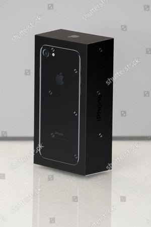 Apple new iPhone 7 Jet Black Apple (Box) at MCS Apple Premium Reseller in Nice, FRANCE