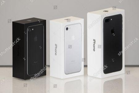 Apple Box, iPhone 7 Jet Black (L), iPhone 7 Silver (C), iPhone 7 Plus Black (R) at MCS Apple Premium Reseller in Nice, FRANCE