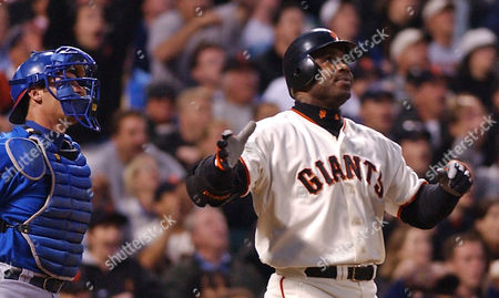 BONDS San Francisco Giants' Barry Bonds watches his 599th career home run off Chicago Cubs' Steve Smyth leave the park in the third inning, at Pacific Bell Park in San Francisco