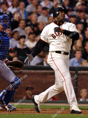 BONDS San Francisco Giants' Barry Bonds watches his 599th career home run, a three run-shot off Chicago Cubs' Steve Smyth, in the third inning, at Pacific Bell Park in San Francisco