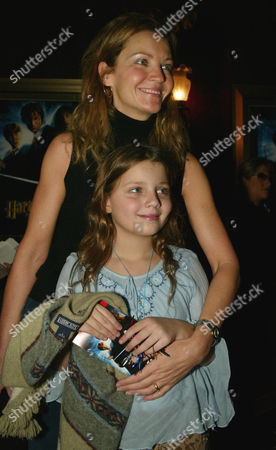"ALLEN FRIEDMAN Actress Joan Allen arrive with her daughter, Sadie Friedman for the U.S. premiere of the new Harry Potter movie, ""Harry Potter and the Chamber of Secrets,"", in New York"