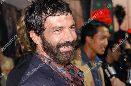 BANDERAS At right is Terry Chen who co-stars in the film. Banderas will play the title role in the HBO Films production ''And Starring Pancho Villa as Himself,'' directed by Bruce Beresford. Shooting will begin Monday in the old Mexican mining town of Guanajuato, it was announced