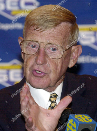 HOLTZ South Carolina football coach Lou Holtz gestures while he talks with reporters during the Southeastern Conference Media Days in Birmingham, Ala