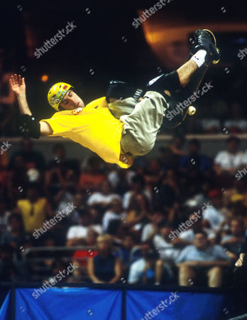Andy MacDonald in action in the Skateboarding Vert at the X Games - Aug 2001