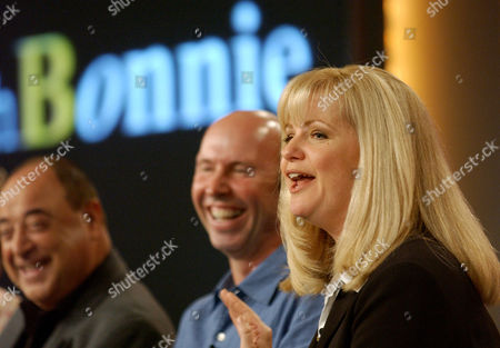 "HUNT LAKE RUSSELL Actress Bonnie Hunt, star of the new ABC show ""Life with Bonnie,"" speaks to reporters during the Television Critics Association Press Tour in Pasadena, Calif., . Looking on are fellow cast member Anthony Russell, far left, and Executive Producer Don Lake"