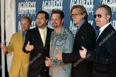 DIAMOND RIO Country group and nominees Diamond Rio, from left, Brian Prout, Dana Williams, Marty Roe, Dan Truman and Gene Johnson, pose as they arrive at the 37th Annual Academy of Country Music Awards, in Los Angeles