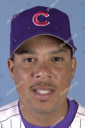 DARREN LEWIS Outfielder Darren Lewis of the Chicago Cubs is shown on