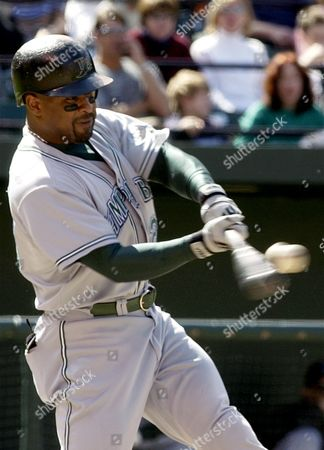 VAUGHN Tampa Bay Devil Rays' Greg Vaughn connects for a solo home run in the eighth inning against the Baltimore Orioles, at Camden Yards in Baltimore. Vaughn also hit a two-run homer in the fourth inning to lead Tampa Bay to a 4-0 win